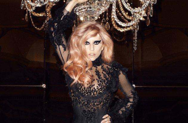 Lady Gaga Cfda Fashion Icon Award Winner 2011